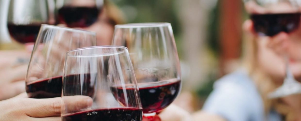 Drinking wine daily can SLASH the risk of early death